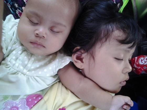 Perjalanan kudus-semarang, tertidur di pangkuan